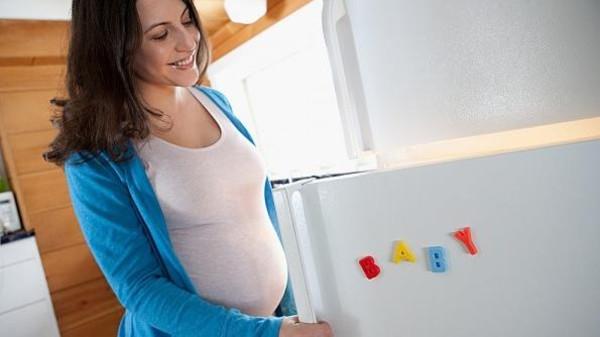 باحثون يحددون أنواع الطعام المؤدية للولادة المبكرة